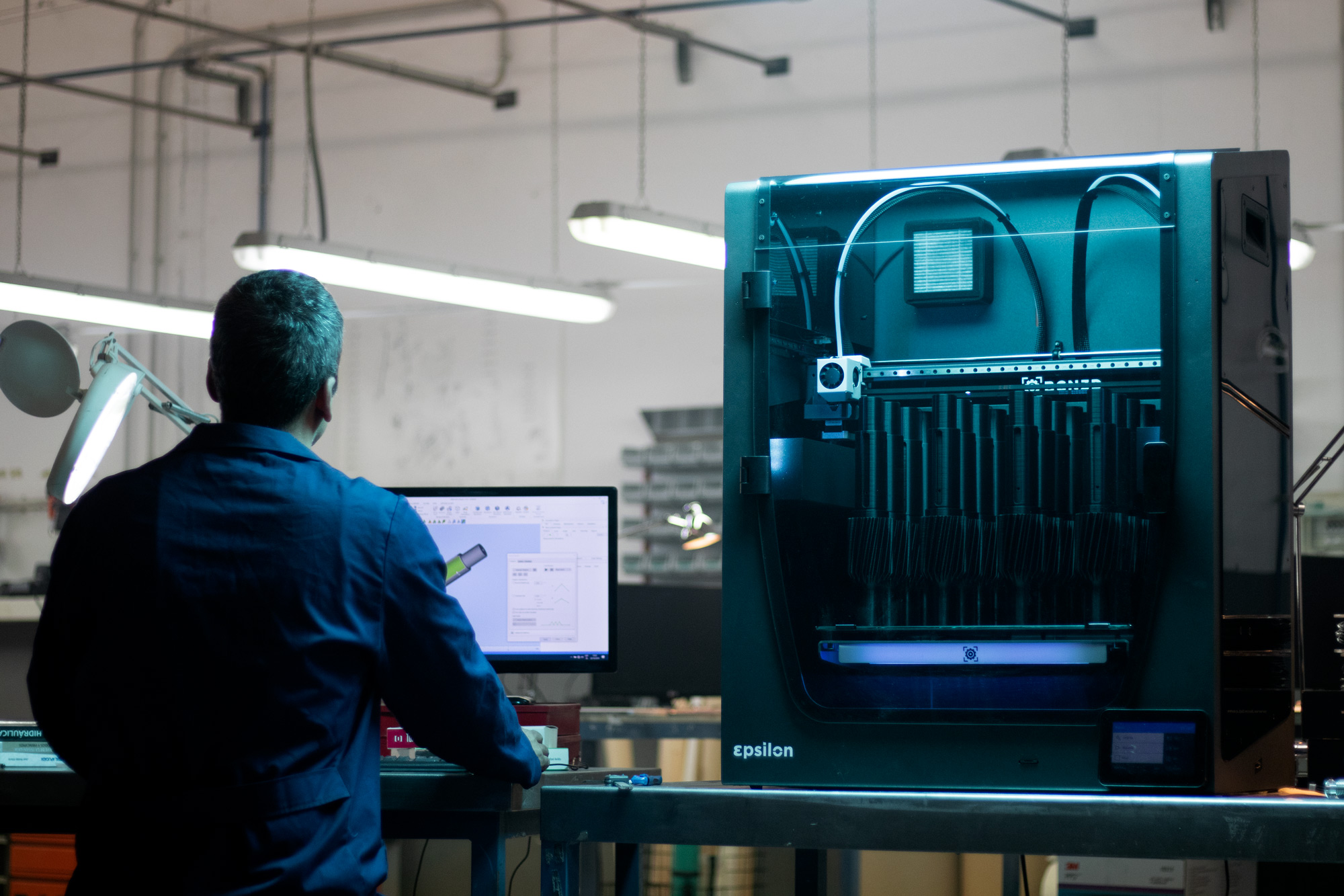 BCN3D_Epsilon_3D_Printer_IDEX_Dual_Extrusion_industrial_work_space